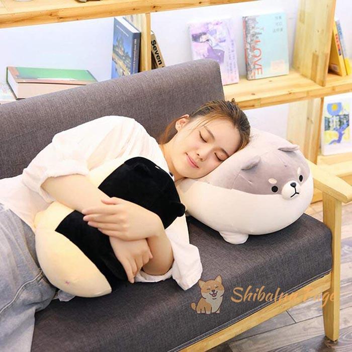peluche de shiba inu almohada